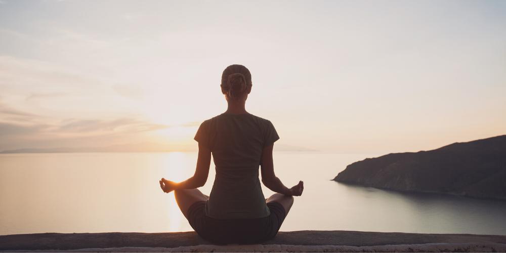 ラージャヨガで自然の中で瞑想